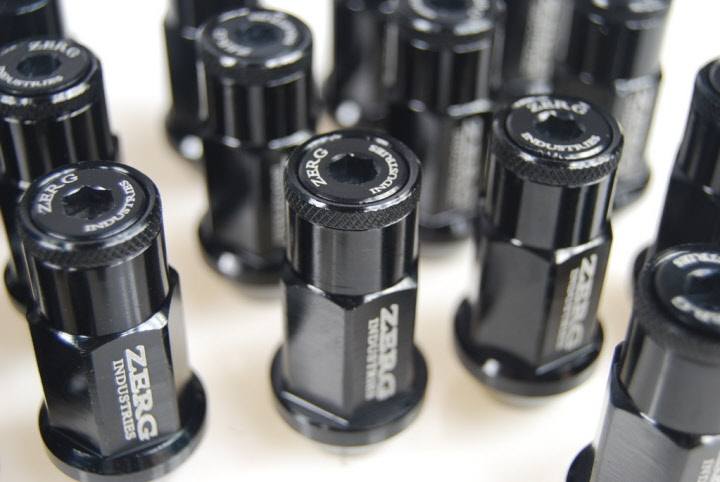 Zerg Industries Aluminum Lug Nuts Extended